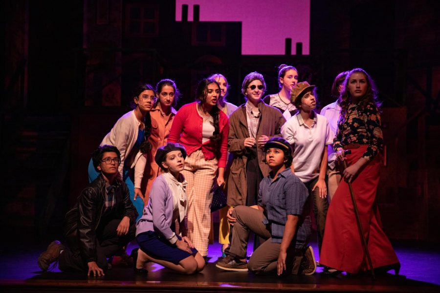See the 2019 Upper School Musical at Castilleja, titled Amélie.
